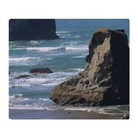 Pacific-Ocean-Beach-Scene-Throw-Blanket